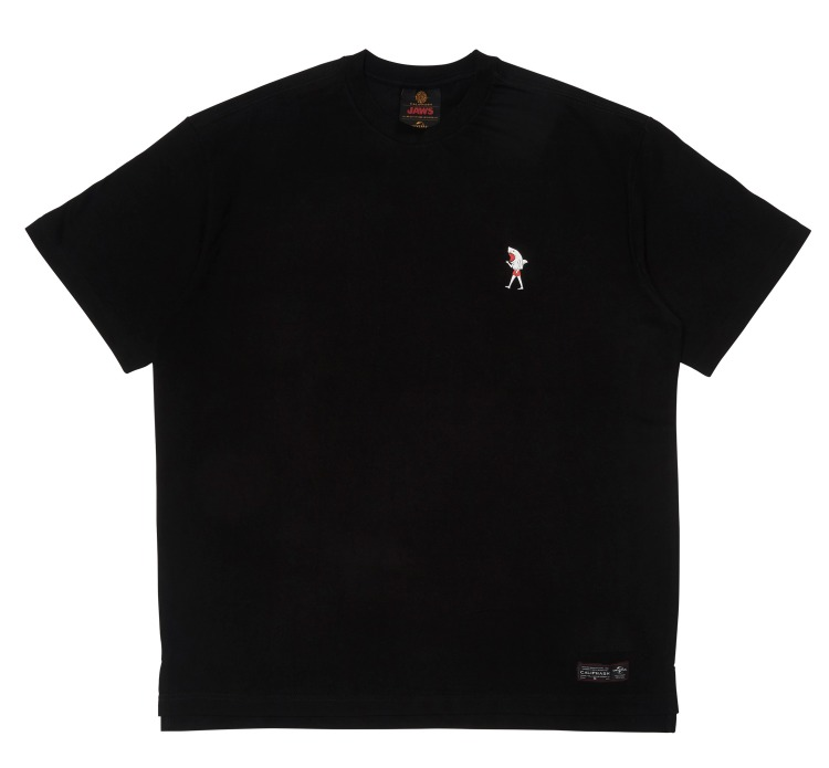 [CALIPHASH X UNIVERSAL] JAWS DRESSED T-SHIRT(BLACK)