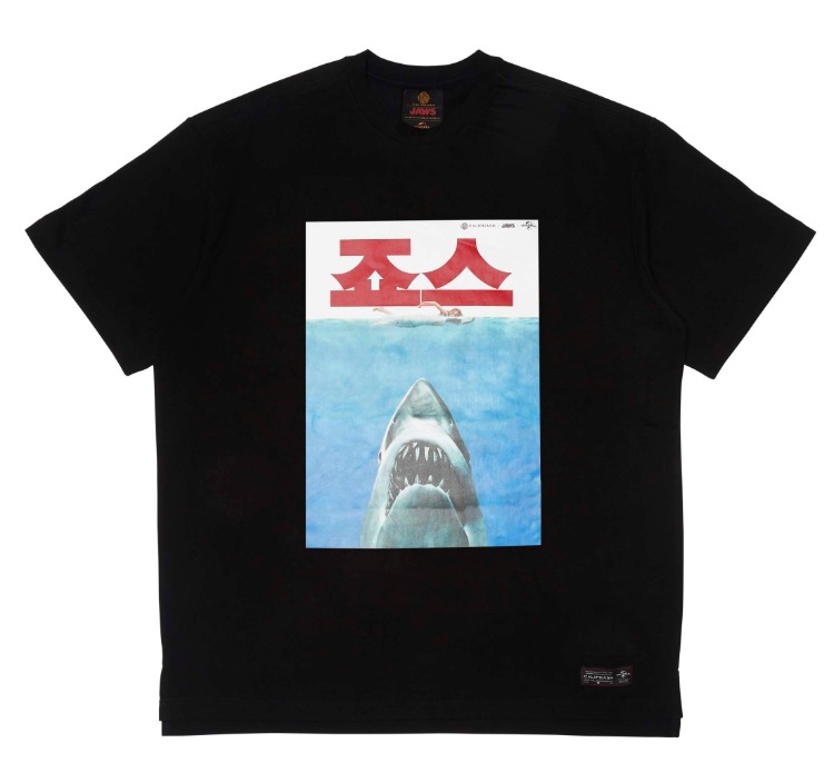 [CALIPHASH X UNIVERSAL] JAWS POSTER T-SHIRT(BLACK)